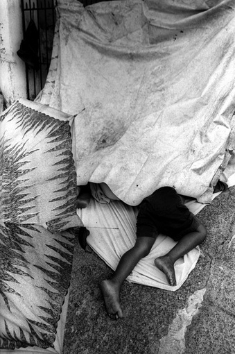 The State of L3 | BETO FIGUEIROA, Sleeping diaspora, 2009